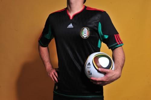 Nueva playera negra para la Selección Mexicana…  9eacd5a4fd136