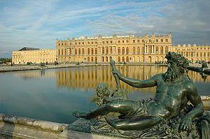 300px-Versailles_chateau